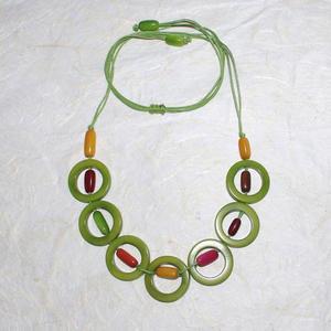 Grönt halsband från Ecuador